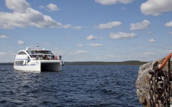 Lake Inari cruise