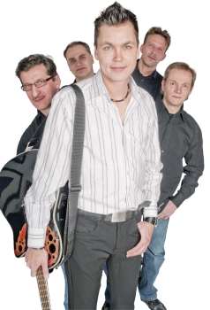 Yökerho Karhussa Ilkka Hakala & Sonetti