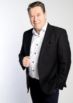 Yökerho Karhussa Markku Aro