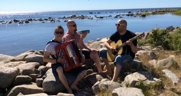 Yökerho Karhussa Toni Jaatinen Band
