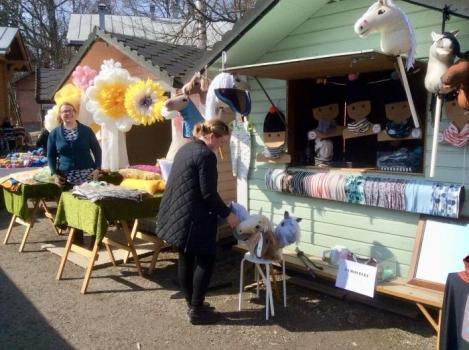 Tallipihan kevätrieha ja käsityömarkkinat