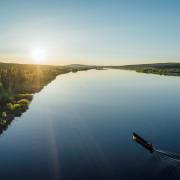 riberboat-cruise-under-the-midnight-sun-in-lapland-picture-by-flatlight-creative-3-