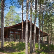 lh-bears-lodge-apatment-outdoor-at-summer-time