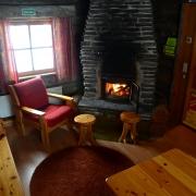 lapland-hotel-luostotunturi-log-cabin-inside