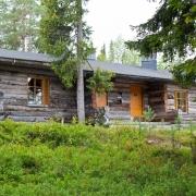 lapland-hotel-luostotunturi-log-cabin-out-door-at-summer-time