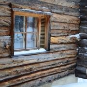 lapland-hotel-luostotunturi-log-cabins-outdoor-at-winter-time-4-
