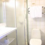 dbl-room-2-floor-kylpyhuone-2krs