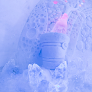 icebar-sculpture3-snowvillage-lainio2011